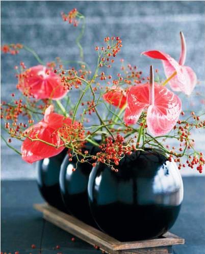Arreglos florales en jarrones