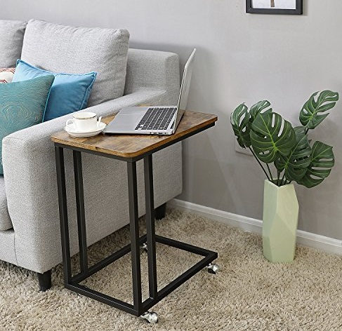 Mesas con ruedas para decorar un living pequeño