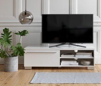 Ubicar la televisión en un living pequeño